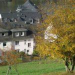 Blick vom Weinberg auf Haus Rosa